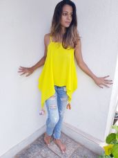 Flowy top in lemon